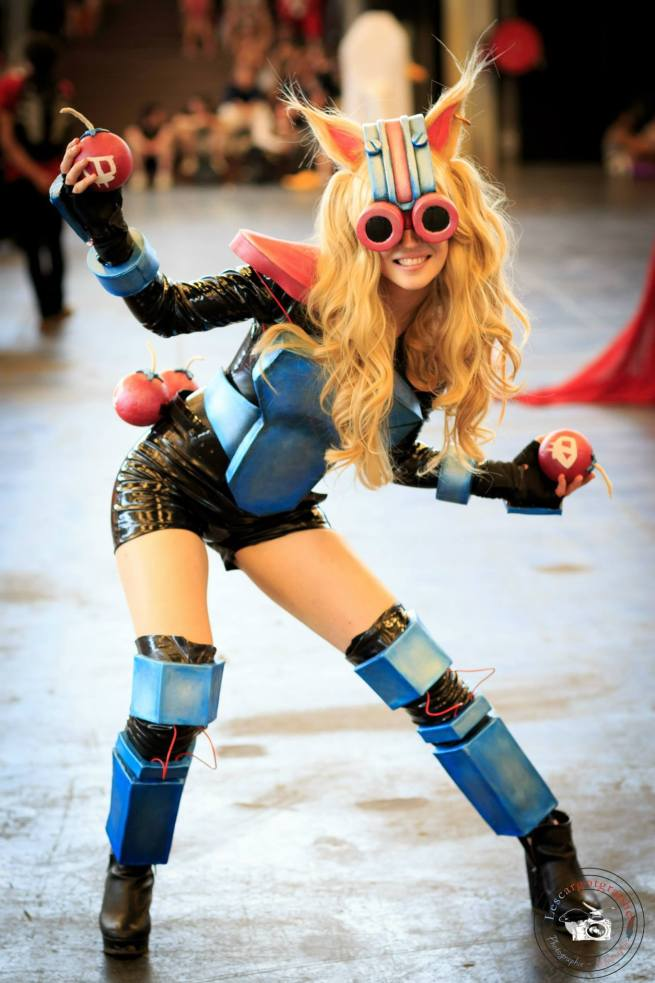 A female version of Ziggs from League of Legends, love it!