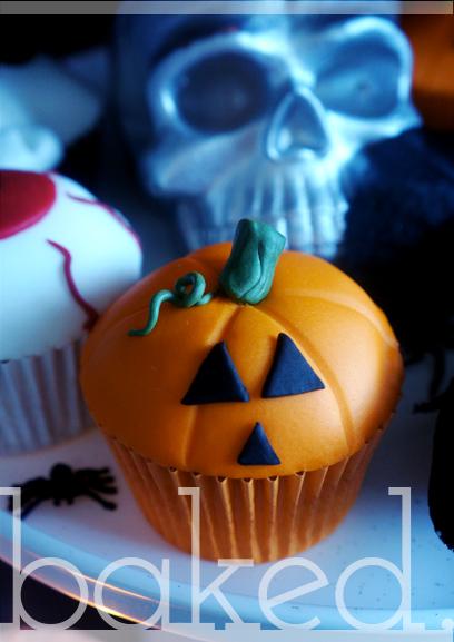halloween-pumpkin-cupcake